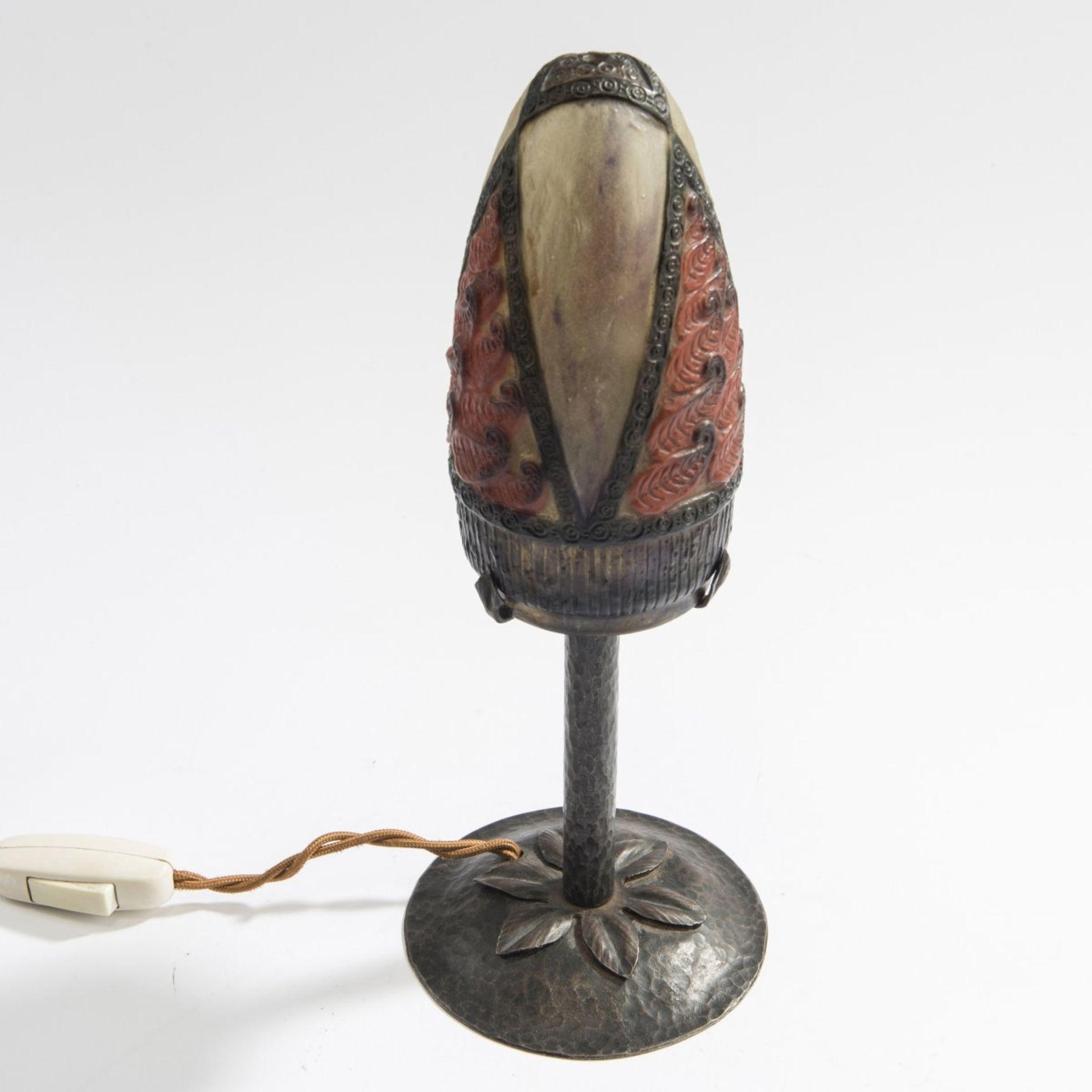 Los 102 - Gabriel Argy-Rousseau, Paris, Kleine Tischleuchte 'Feuilles', 1923Kleine Tischleuchte 'Feuilles',...