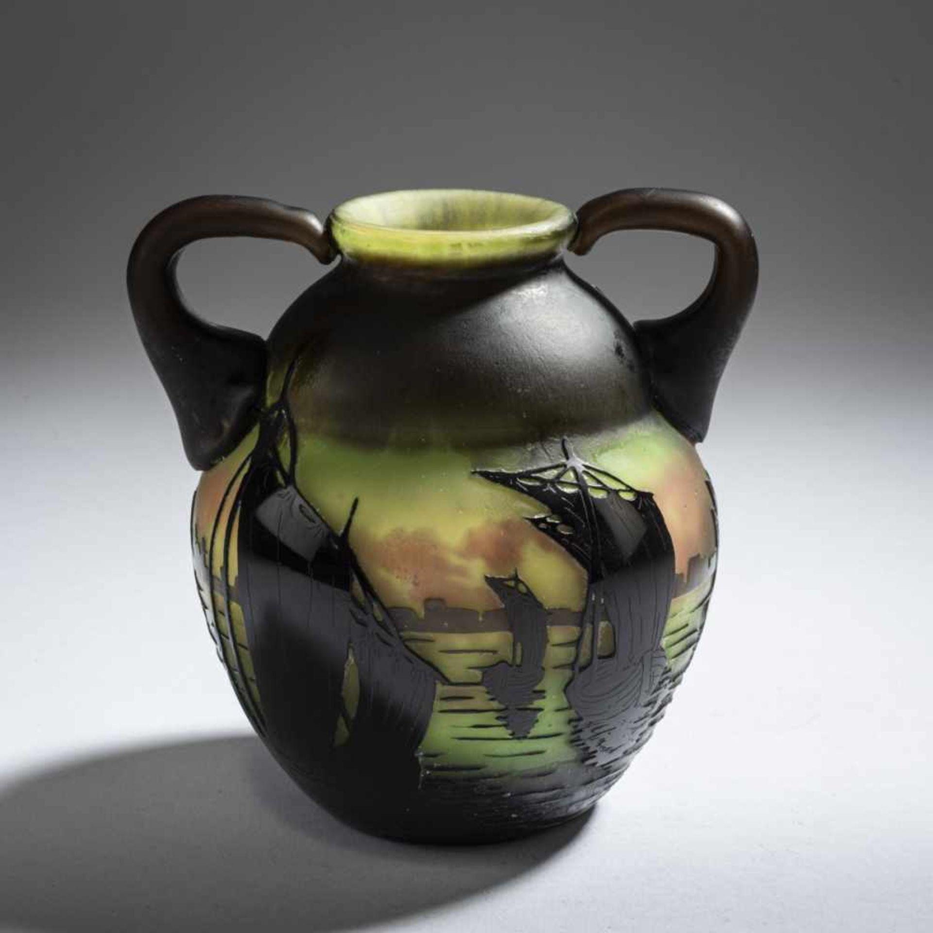 Daum Frères, Nancy, 'Voiliers, soleil couchant' vase with handles, 1910 - Bild 2 aus 5
