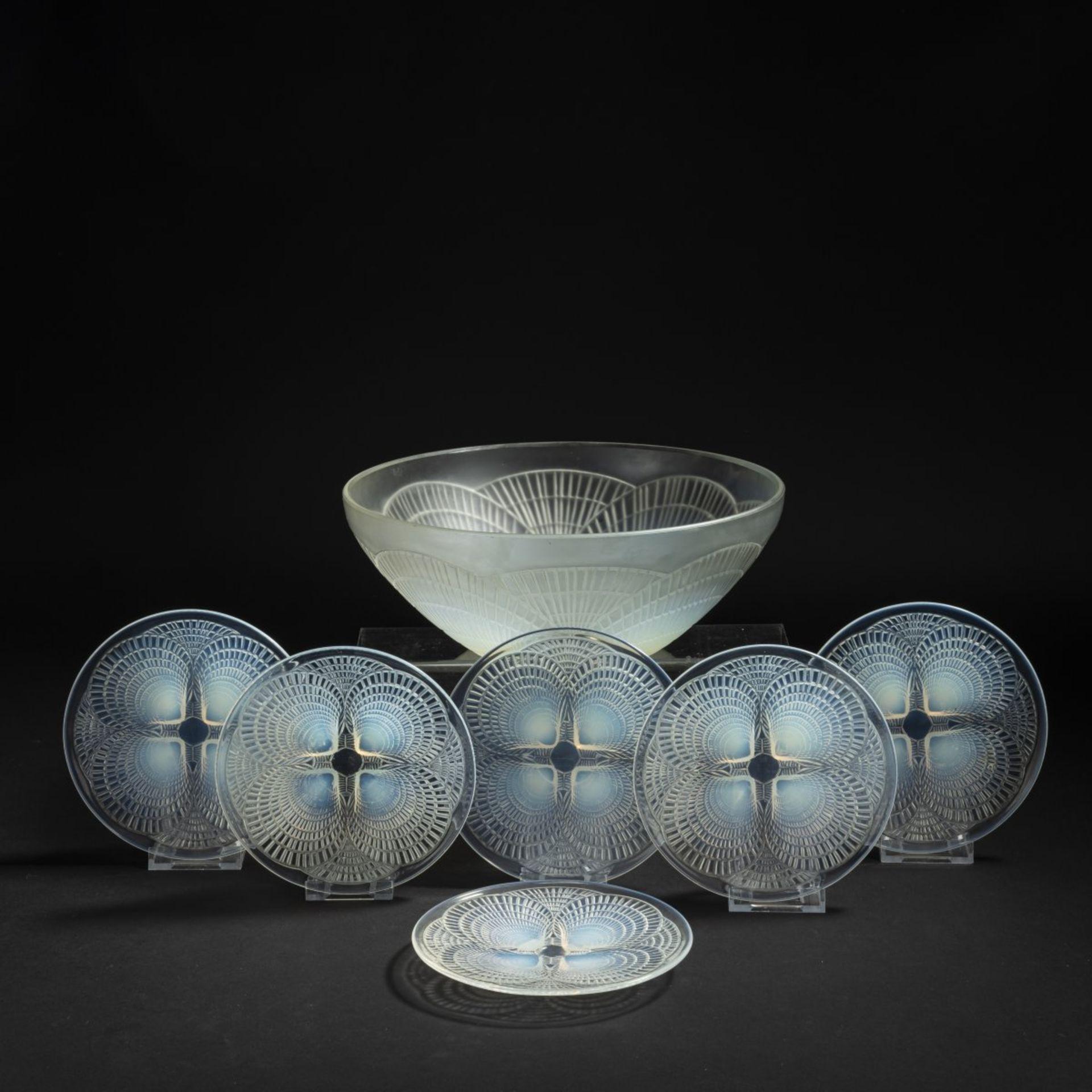René Lalique, Schale 'Coquilles' und sechs Teller 'Coquilles N° 5', 1924 - Bild 2 aus 6