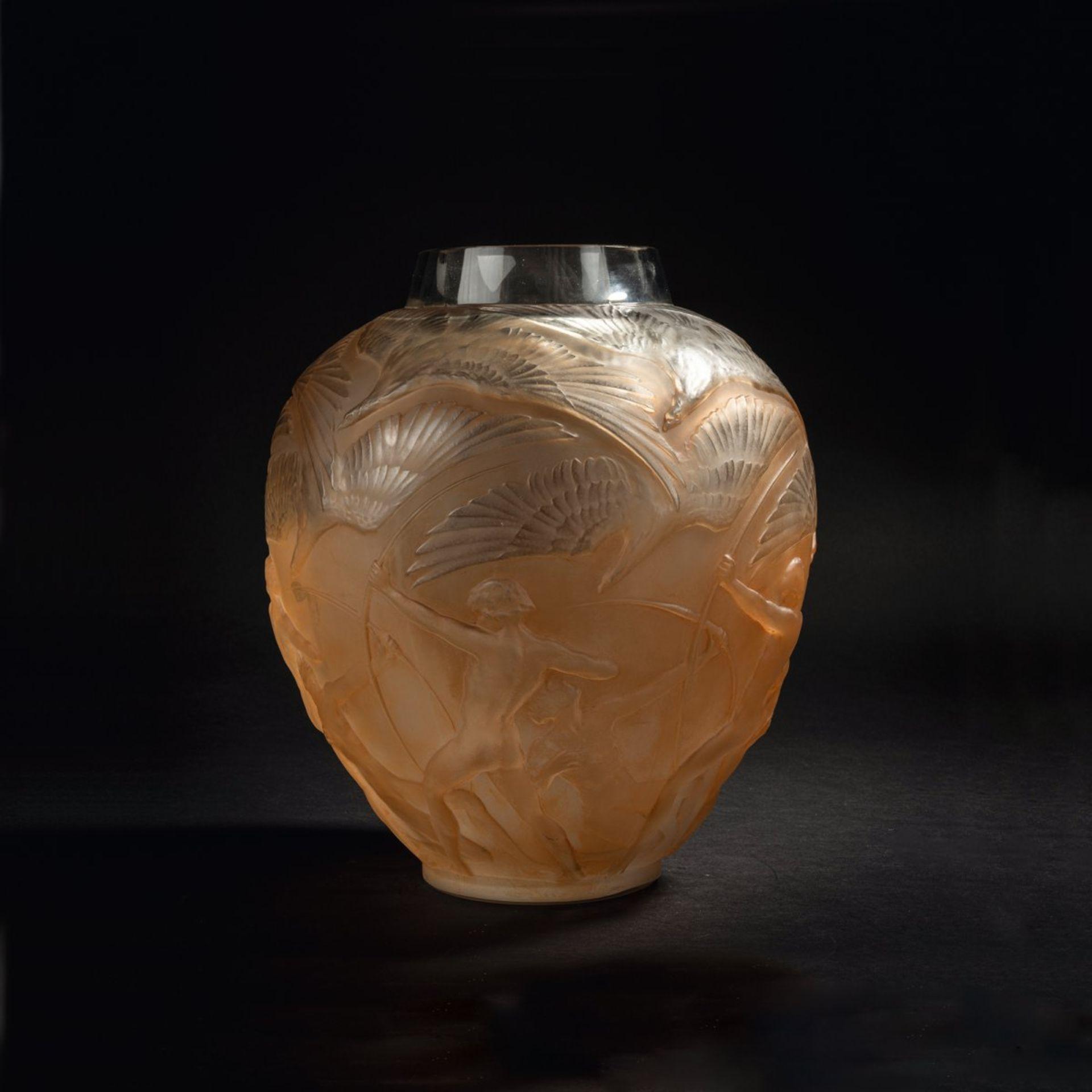 René Lalique, Vase 'Archers', 1921