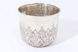 Victorian Britannia silver sugar bowl in the form of a Queen Anne style porringer, with flared rim a