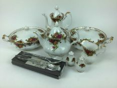 Royal Albert Old Country Roses tea, coffee and dinner service, approx 120 pieces