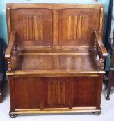 Fabulous Quality Oak Monks Bench Dimensions: 101cm W 53cm D 105cm H