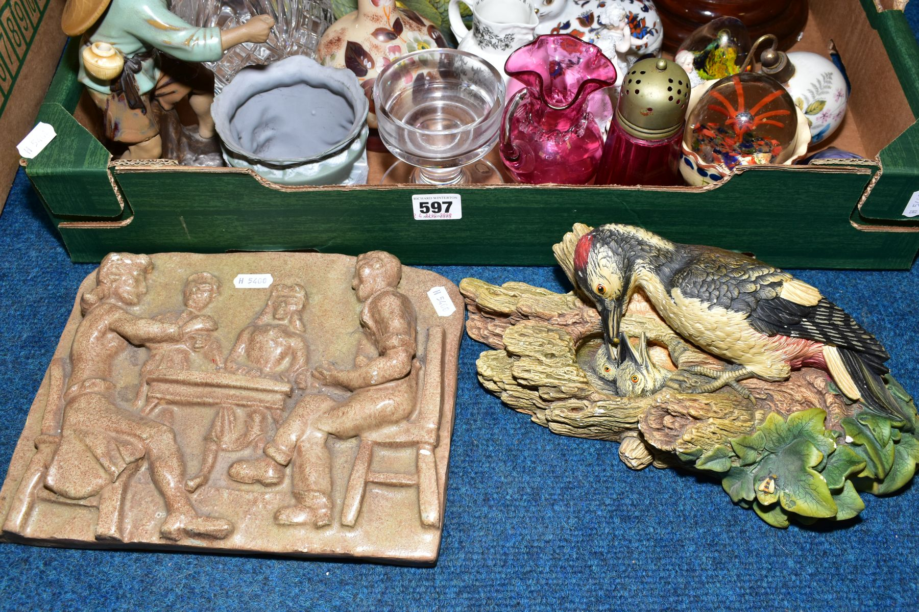 Lot 597 - A BOX OF VICTORIAN AND LATER CERAMICS, GLASSWARE AND LOOSE ITEMS, including a pair of table lamps, a