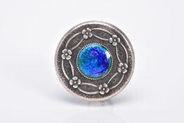 AN EARLY 20TH CENTURY CHARLES HORNER BROOCH, the guilloche enamel brooch, of circular form, set with