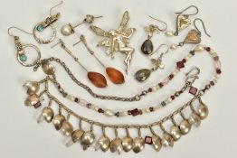 A SELECTION OF JEWELLERY, to include a silver fairy pendant/brooch, missing brooch pin, hallmarked