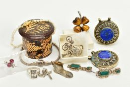 A SELECTION OF ITEMS, to include two white metal circular pendants each set with lapis lazuli, a