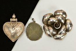 TWO WHITE METAL PENDANTS AND BROOCH, the first pendant designed as a heart with detailed beaded edge