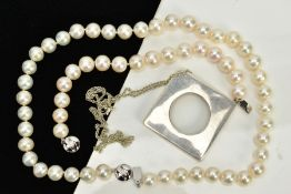 THREE ITEMS OF JEWELLERY, to include a fresh water cultured pearl necklace and matching bracelet,