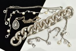 A COLLECTION OF WHITE METAL ASSORTED JEWELLERY ITEMS to include a large feature curb link cubic