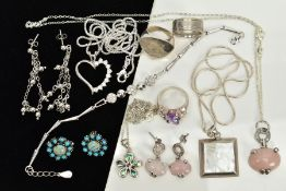 A COLLECTION OF WHITE METAL ASSORTED JEWELLERY ITEMS to include a pair of turquoise stud earrings, a