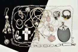 A COLLECTION OF WHITE METAL ASSORTED ITEMS to include an oxidized tree frog, mother of pearl