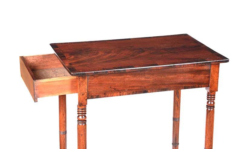 Lot 26 - GEORGIAN ROSEWOOD LAMP TABLE
