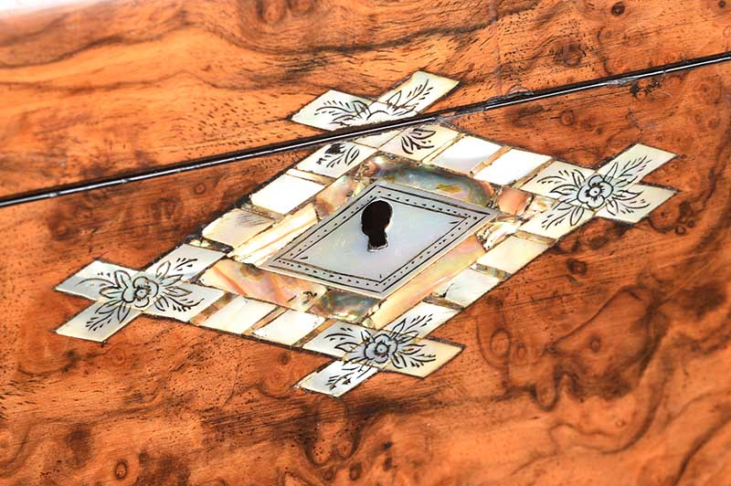 VICTORIAN WALNUT JEWELLERY BOX - Image 3 of 5