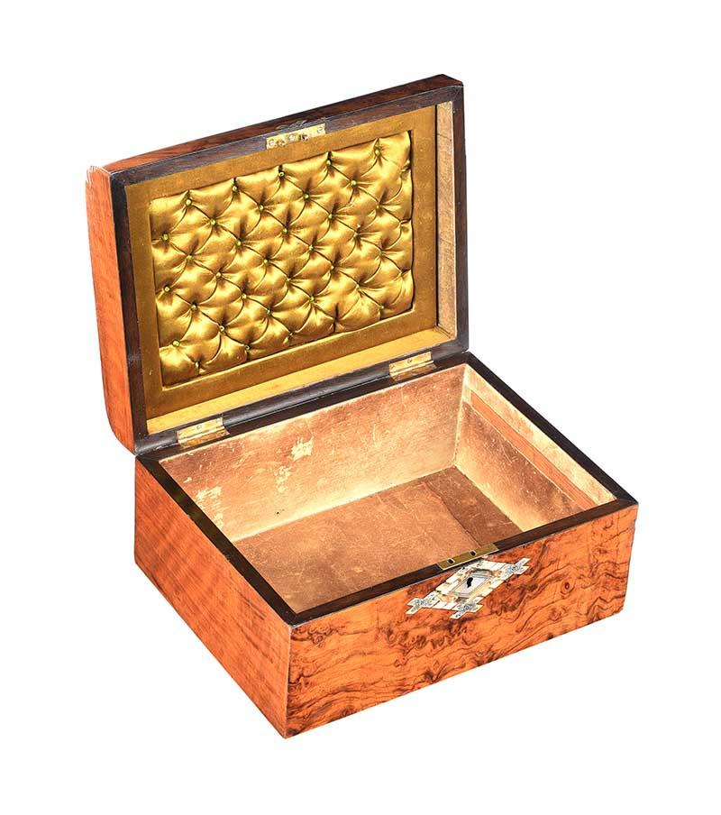 VICTORIAN WALNUT JEWELLERY BOX - Image 4 of 5
