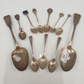 A small quantity of silver spoons (8 troy ounces)