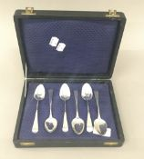A harlequin set of six Old English pattern teaspoons by London makers (1797-1818)