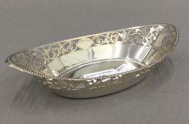 A pierced silver bon bon dish (3.