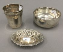 A small silver bowl, a beaker and a bon bon dish (5.