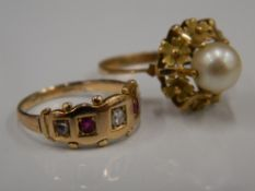 A diamond and ruby gold ring, together with an pearl set gold ring (5.