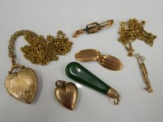 A small quantity of various 9 ct gold and other jewellery (24.