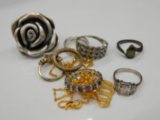 Eight various silver rings and a necklace (38.8 grammes total weight).
