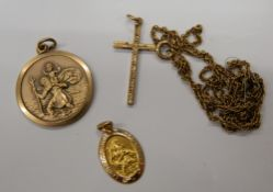 Two 9 ct gold St. Christopher pendants, the largest 2.