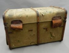 A vintage travelling trunk. 83 cm wide.
