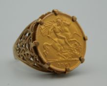 A 1907 half sovereign in a 9 ct gold ring mount. (7.