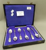 A cased set of six large fiddle pattern teaspoons by Charles Boyton of London. (112.9 grammes).