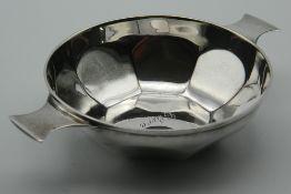 A silver quaich, hallmarked for Sheffield 1926. 13 cm wide. 75.4 grammes.