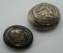 Two Dutch silver pill boxes. The largest 6 cm wide. 69.4 grammes.