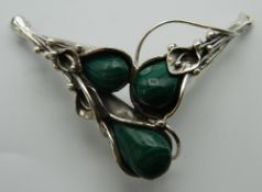 A silver and malachite pendant. 6.5 cm wide.