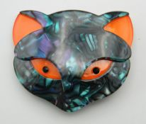 A Lea Stein style brooch formed as a cat. 5.5 cm wide.