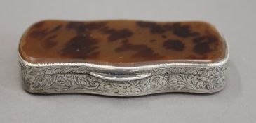 A 19th century Continental silver and tortoiseshell snuff box. 8.5 cm wide.