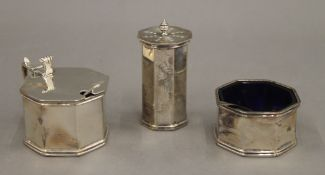 A silver three-piece cruet. 4.1 troy ounces.