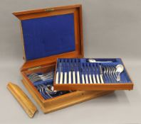 A composite canteen of silver cutlery. 47 troy ounces of weighable silver.