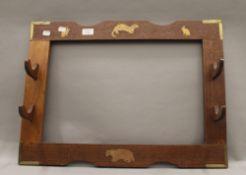 A vintage hunting rack. 66 cm wide.