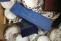 A large quantity of decorative ceramics, etc.