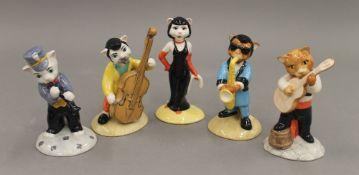 Five Beswick Cats' Chorus figures