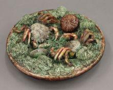 A Mafra Palissy style plate. 21.5 cm diameter.