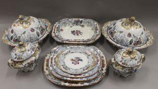 A Victorian Paxton pattern dinner service