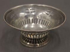 A silver bon bon dish. 12 cm diameter. 71.9 grammes.