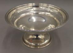 A silver tazza. 21 cm diameter. 11.1 troy ounces.