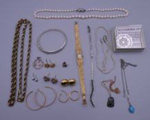 A small quantity of miscellaneous jewellery including gold earrings, silver, etc.