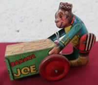 Banana Joe clockwork tin plate toy, English made (18cm)