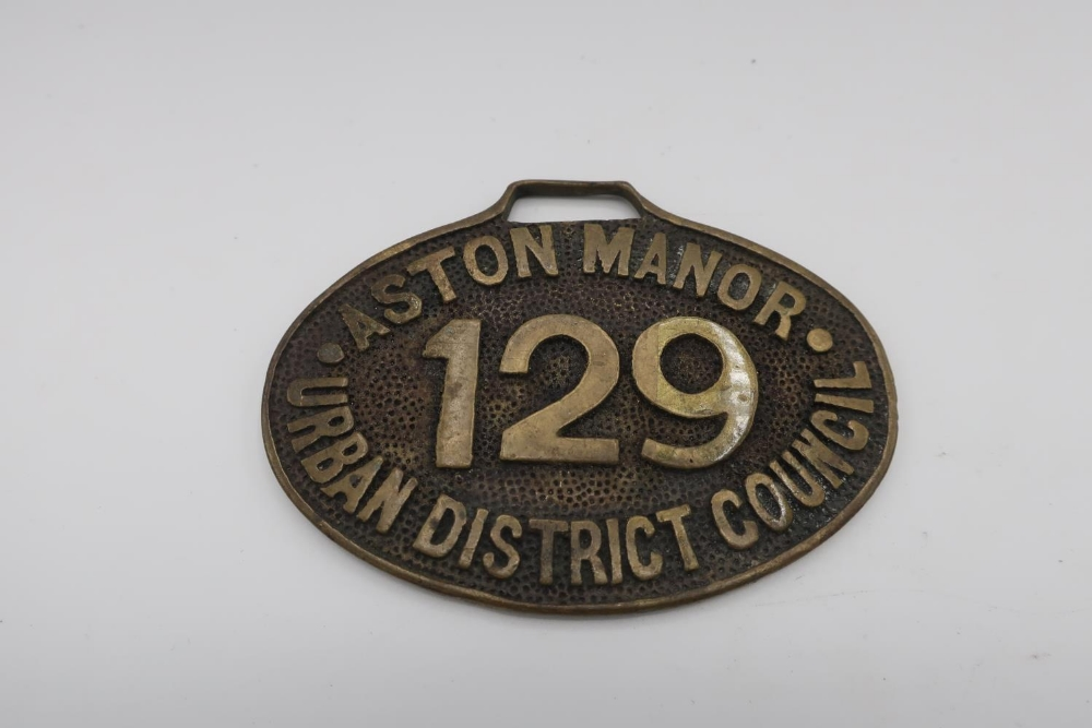 Aston Manor Urban District Council oval drivers badge No. 129