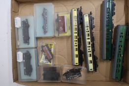 Collection of Lima, Trix and other N gauge rolling stock (boxed 7, unboxed 4)