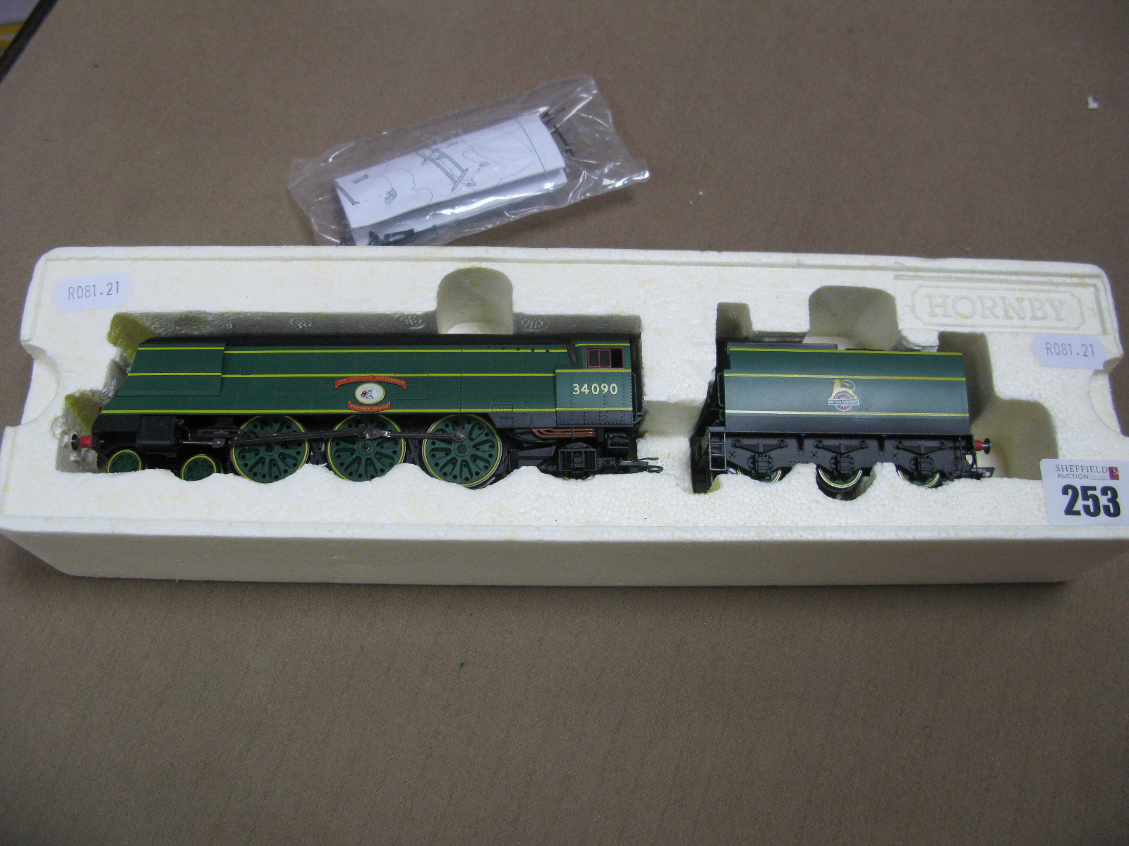 "Lot 253 - Hornby ""OO"" Gauge/4mm (China) Ref. R2692 SR BB/WC Class 4-6-2 Steam Locomotive and Six Wheel Tender,"