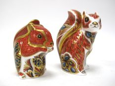 A Royal Crown Derby Paperweight 'Woodland Squirrel', gold stopper, date code for 2006, 11cm high;